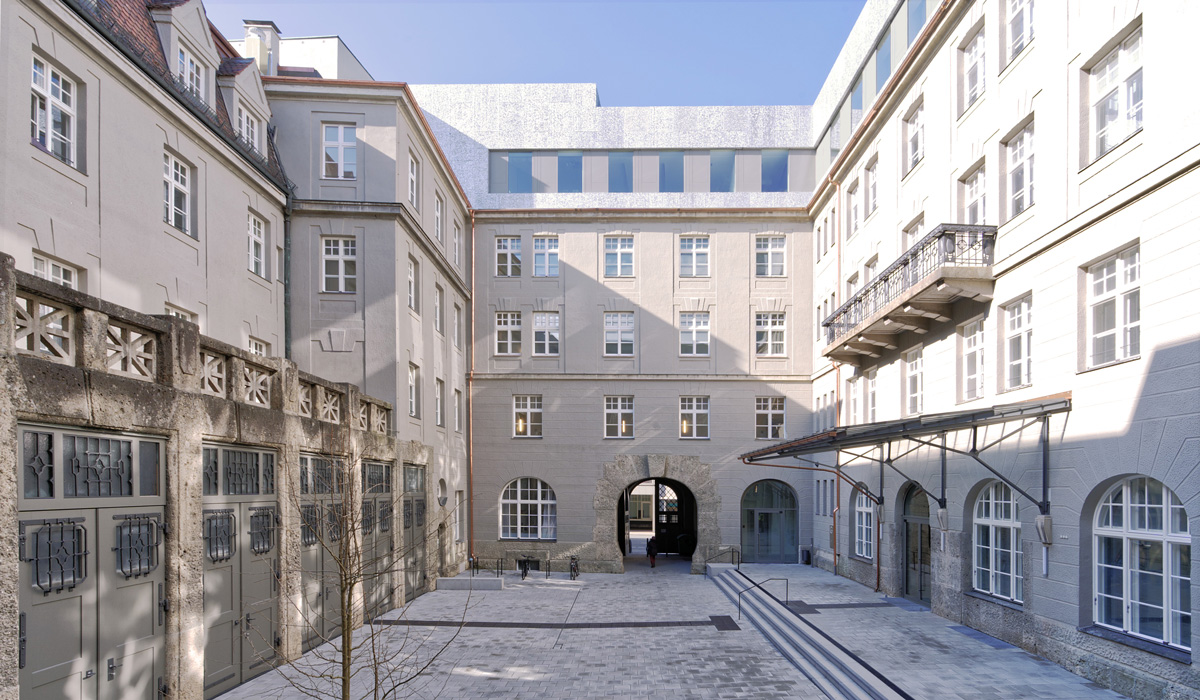 Sanierte Hauptpost Grottenau Musikhof - TEAM FÜR TECHNIK GmbH